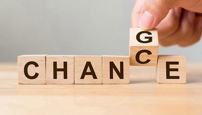 Change spelt on wooden blocks